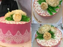 Хлеб ручной работы и торты