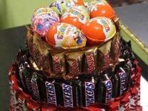 Торты из конфет и букеты